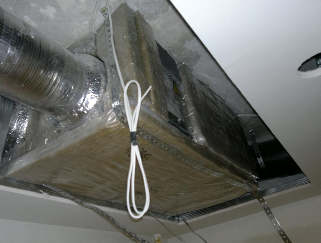 вентиляция над гипсокартонным потолком фото