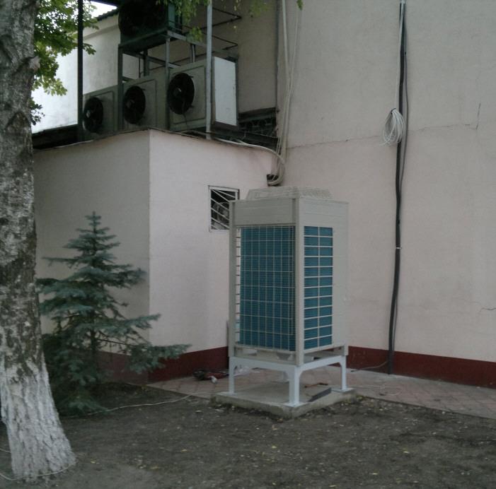 компактный кондиционер в магазин Одесса мало места не портит фасад